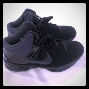 New w/o tags Nike Air Vis Pro 6 size 9.